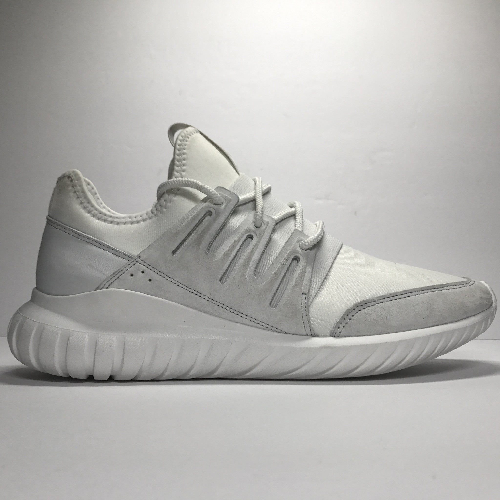DS Adidas Tubular Radial Crystal White Size 10