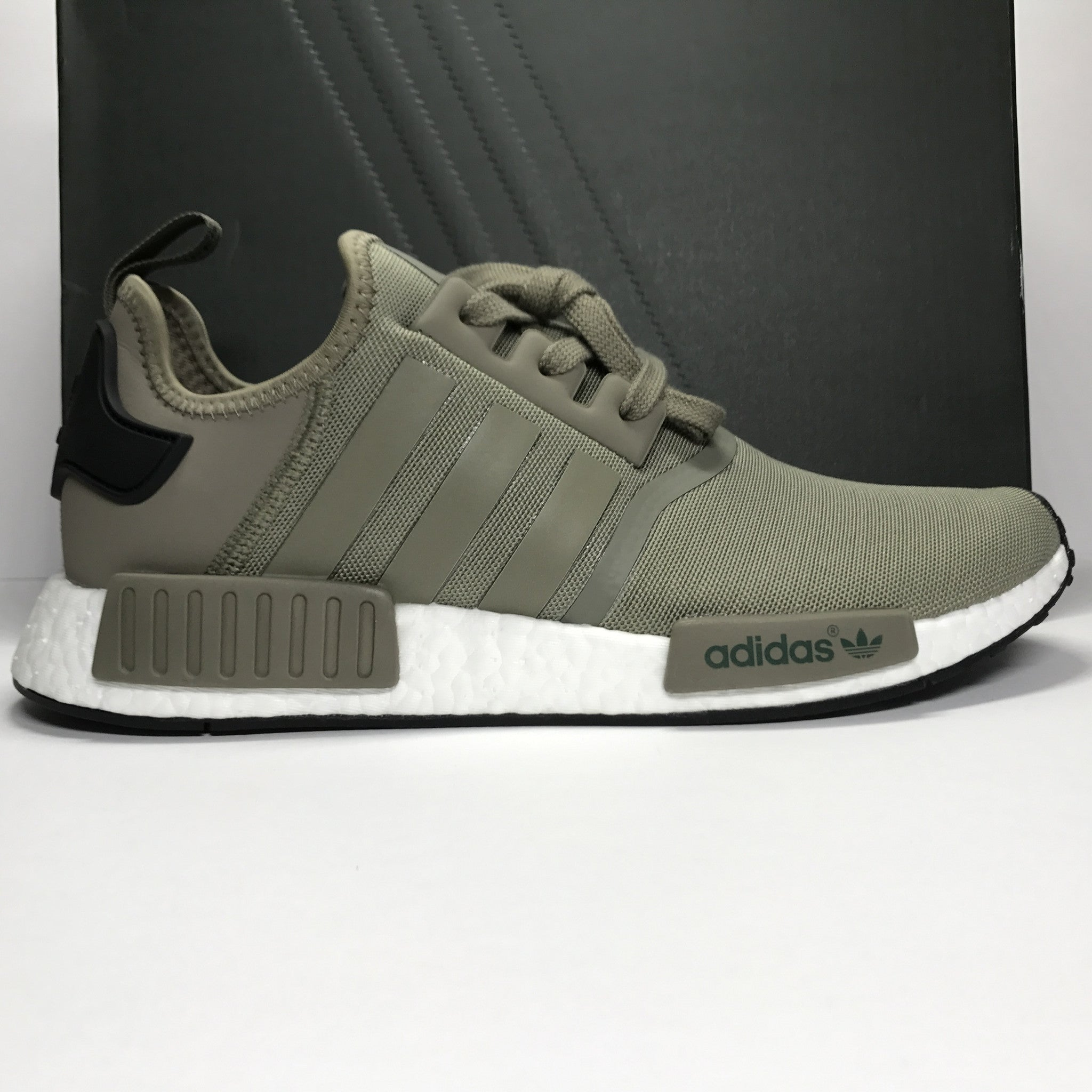 DS Adidas NMD R1 Nomad Olive Trace Cargo Size 10.5