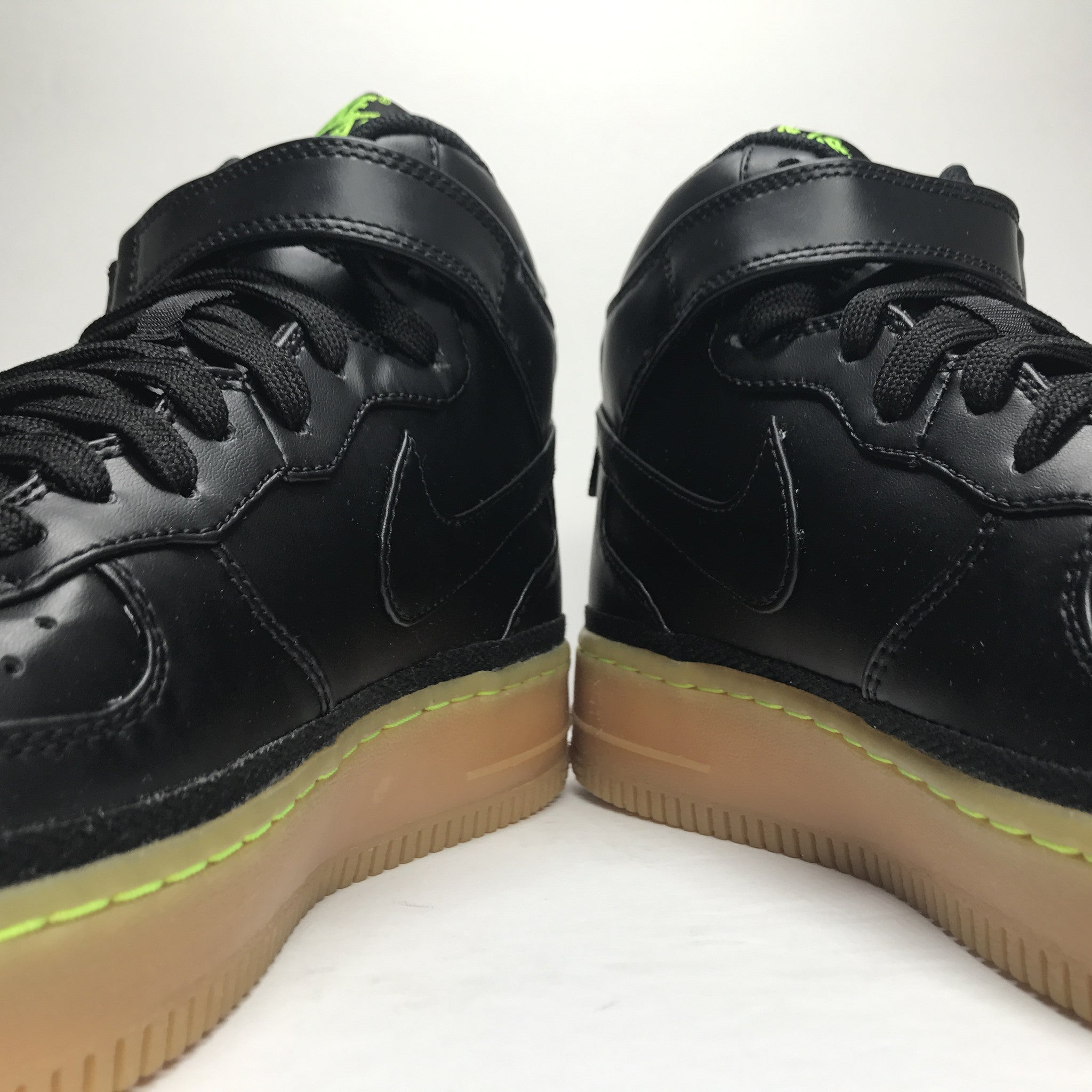 DS Nike Air Force 1 One LV8 GS Black/Gum Size 7Y