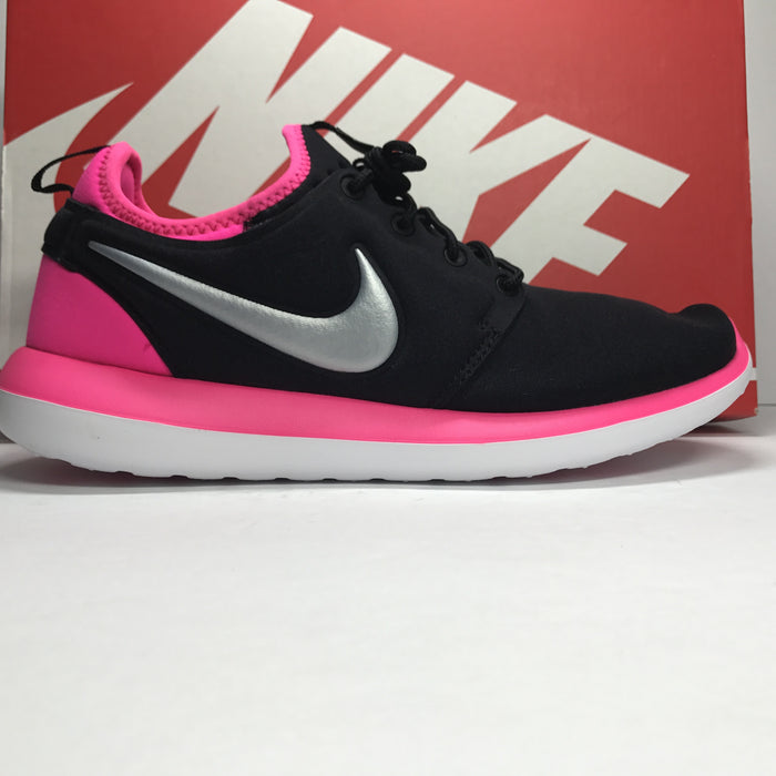 DS Nike Roshe Two GS Black/Hyper Pink Size 7Y