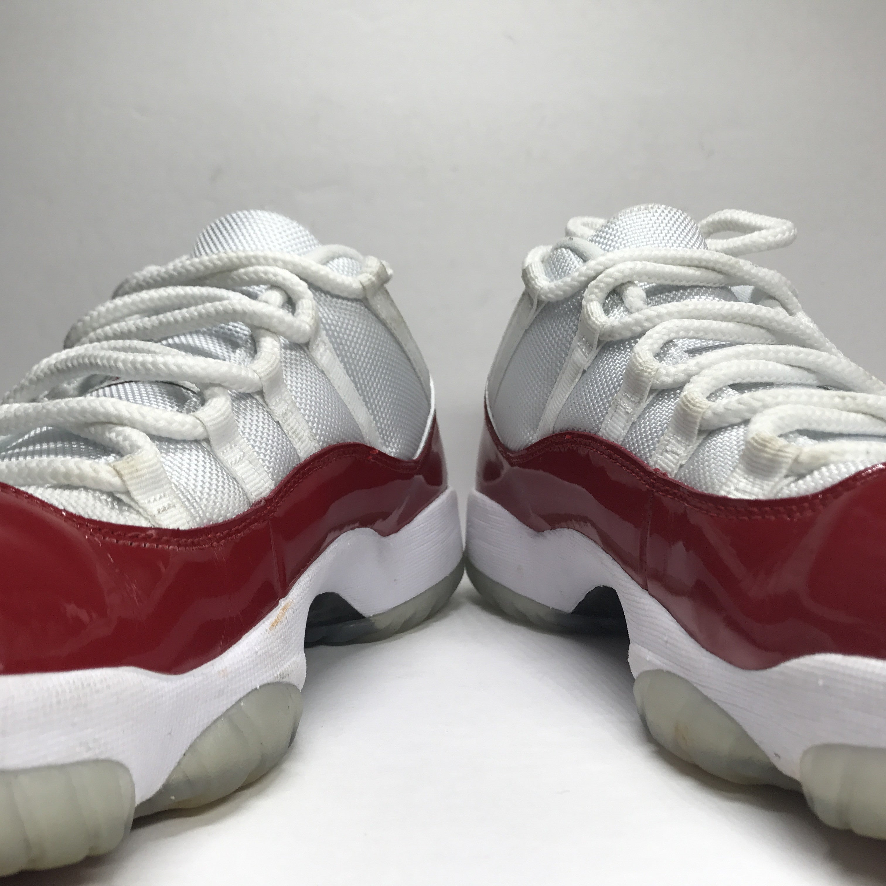 Nike Air Jordan 11 XI Low Cherry Red Size 9.5