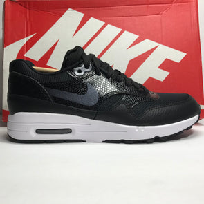DS Women's Nike Air Max 1 Ultra 2.0 Black/White Size 5