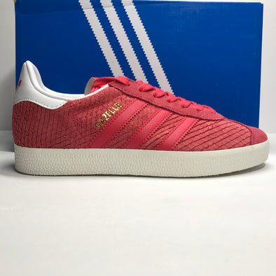 DS Women's Adidas Gazelle Coral Pink Size 5/Size 6