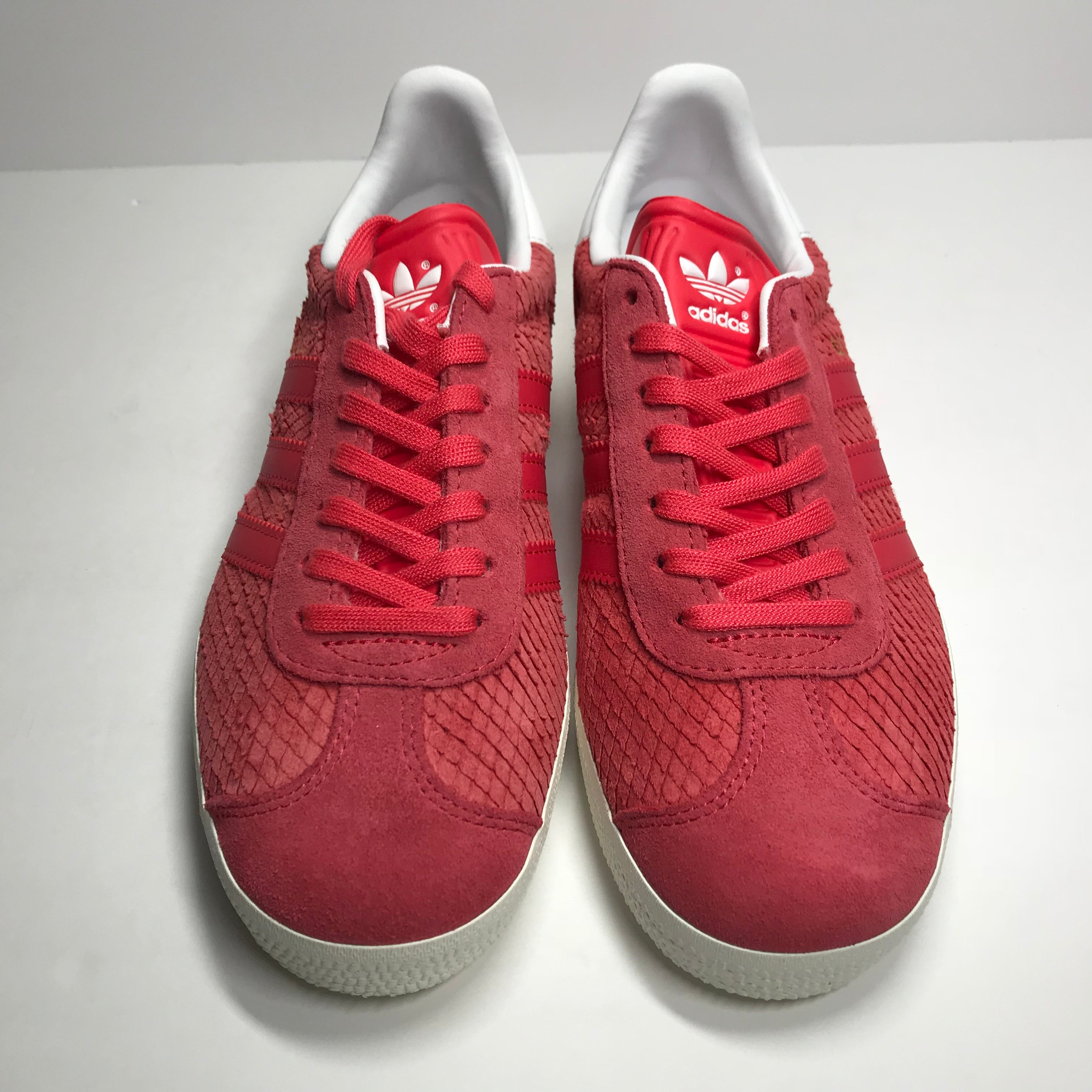 DS Women's Adidas Gazelle Coral Pink Size 5/Size 6 -