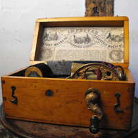 Antique Victorian Electric Shock Therapy Machine from 1870's. Photo cred: Doe & Hope