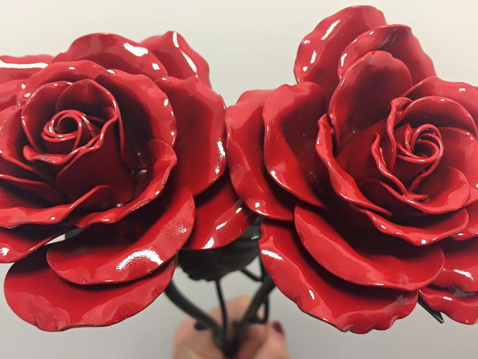 2 red eternal roses
