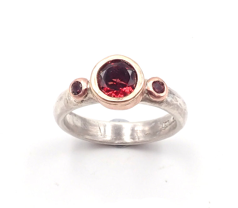 Garnet Chloris Ring