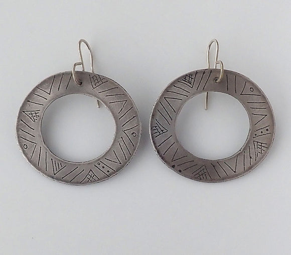 Small Tapa Etched Disc Earrings