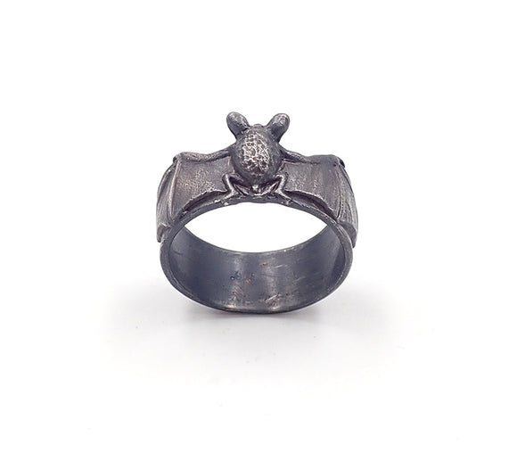 Aaron Brown pekapeka bat ring