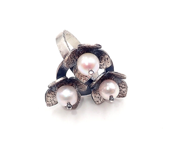 Pearl Ring (loop)