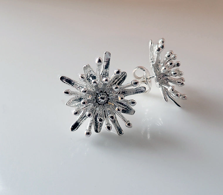 Royal Jewellery Studio Kiri Schumacher Silver starburst earrings