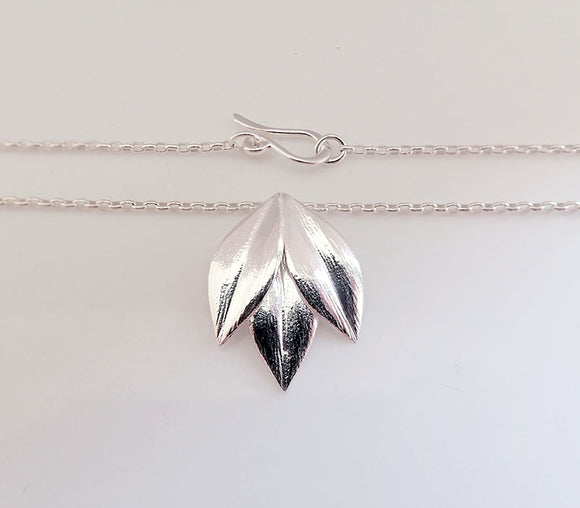 Royal Jewellery Studio Kiri Schumacher sterling silver Athena necklace