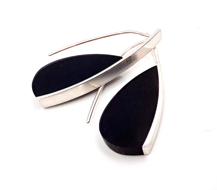 Basalt Curve Earrings