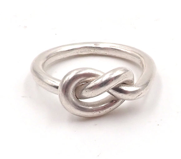 Overhand Knot Ring