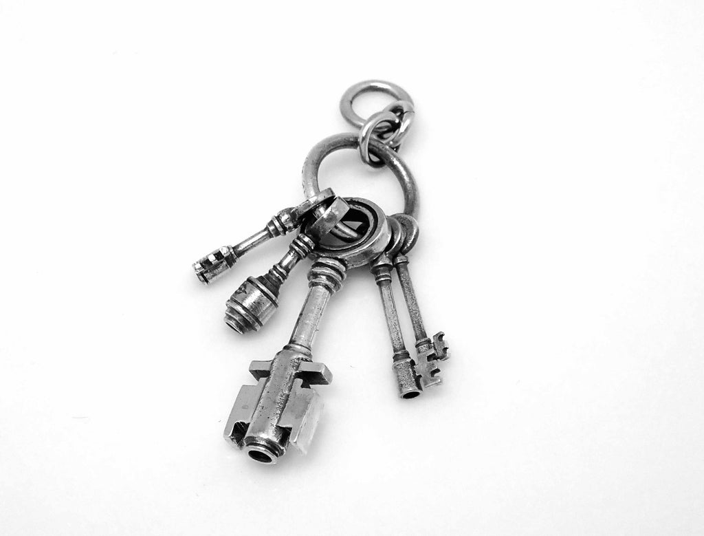 Skeleton keys charm in sterling silver