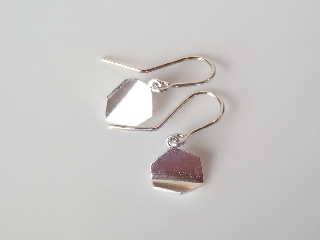 Bent hexagonal earrings, small