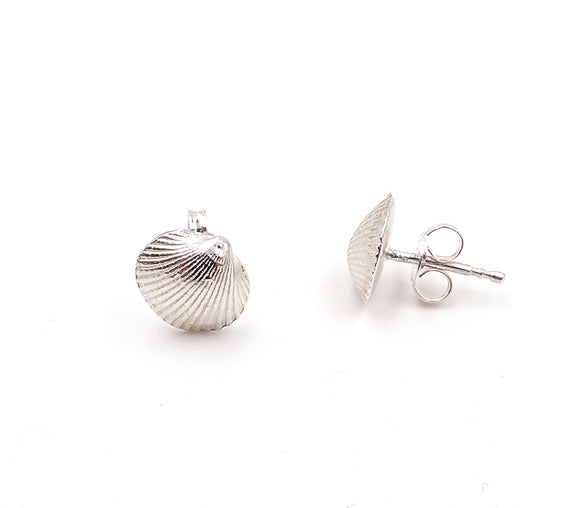 Ilse-Marie Erl shell stud earrings