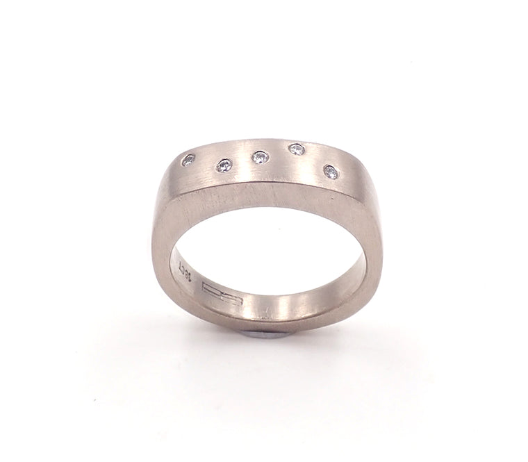 White gold signet ring with diamonds