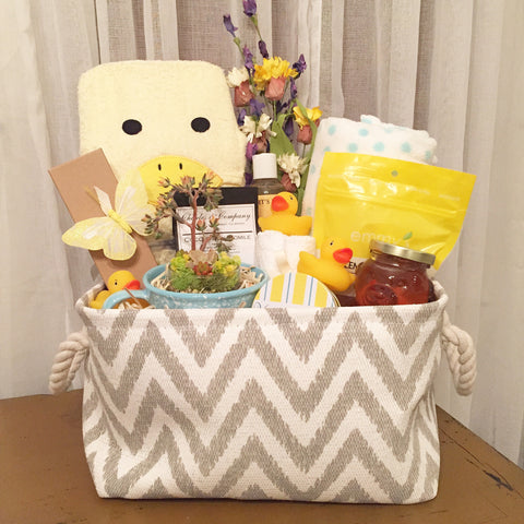 J'aime New mama and baby Basket