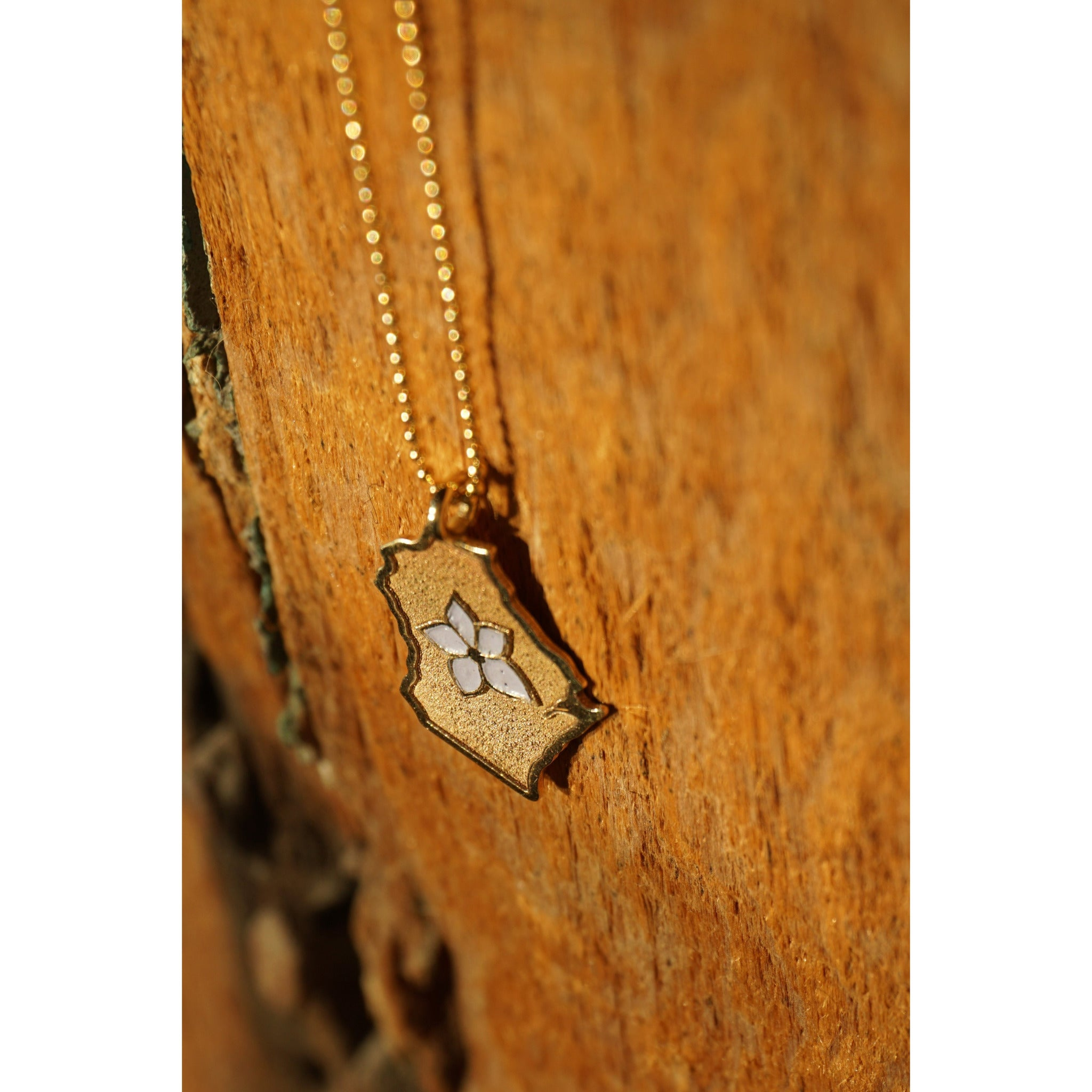 10kt Wisconsin Necklace