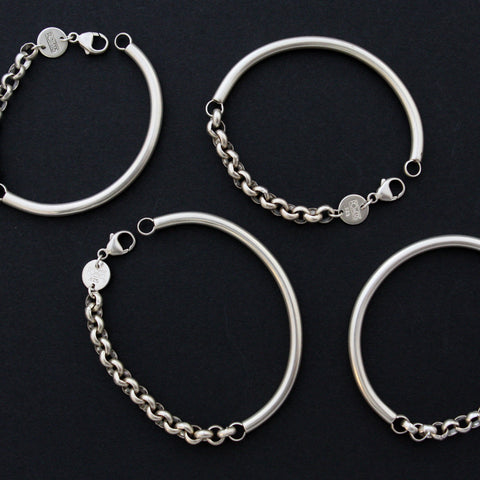 Closed Curves Bracelet