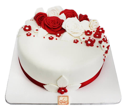 red and white rose cake