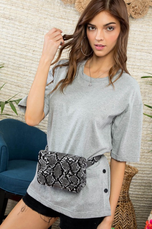 HEATHER GREY SIDE BUTTON T