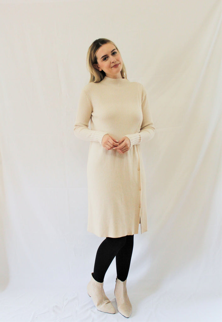 RIBBED SIDE BUTTONS DRESS