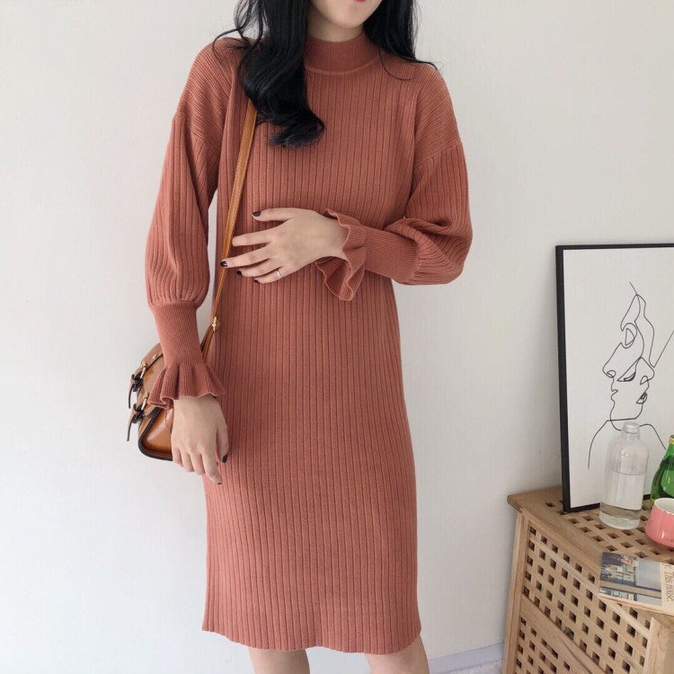 RIBBED FLUTED SLEEVE DRESS