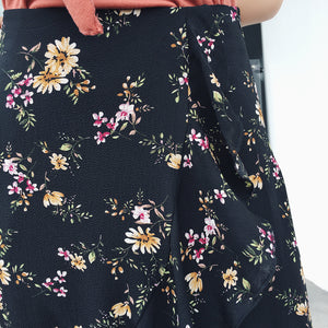 BLACK RUFFLE FLORAL SKIRT