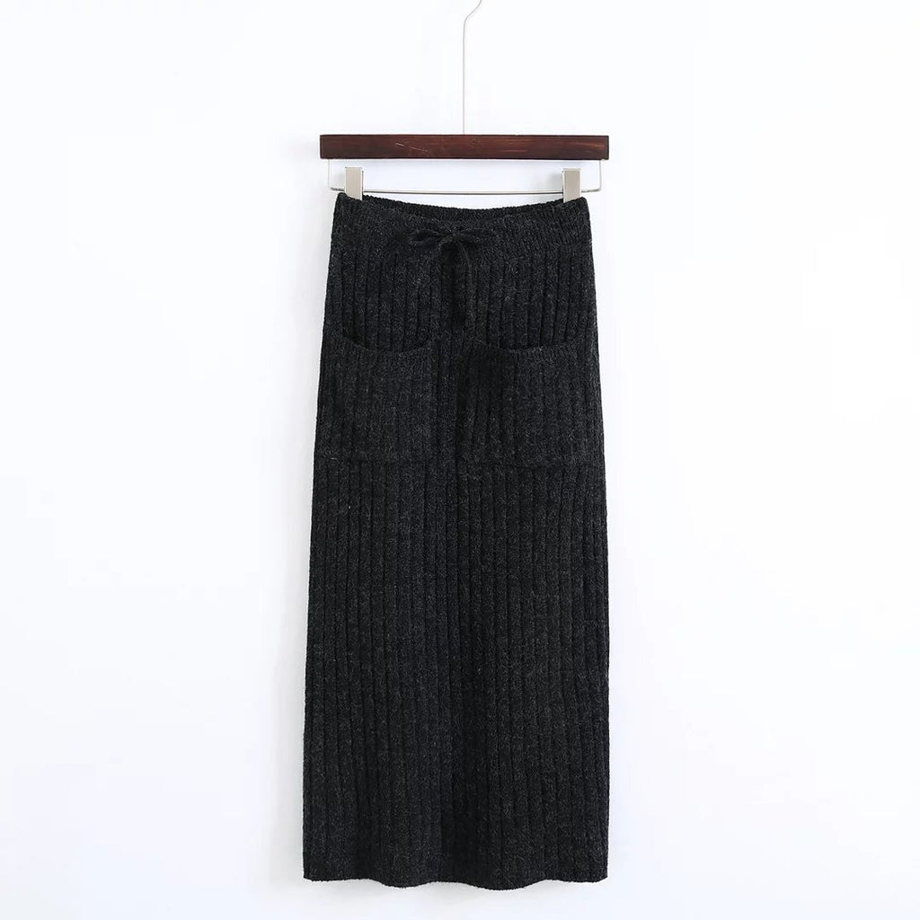 2067ad1b861 Pockets Crew Maxi Skirt