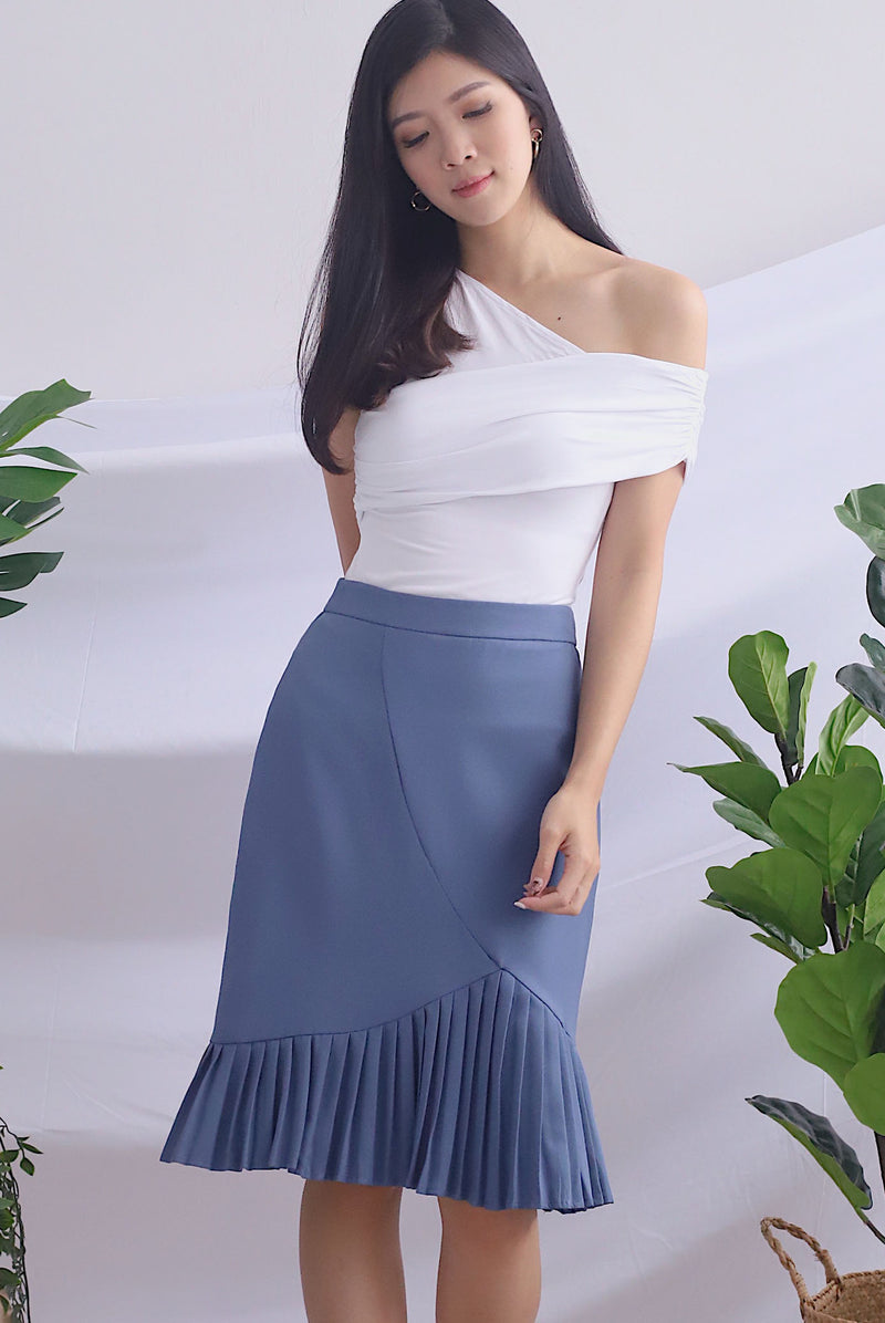 *Backorder* Fala Pleated Toga Top In White