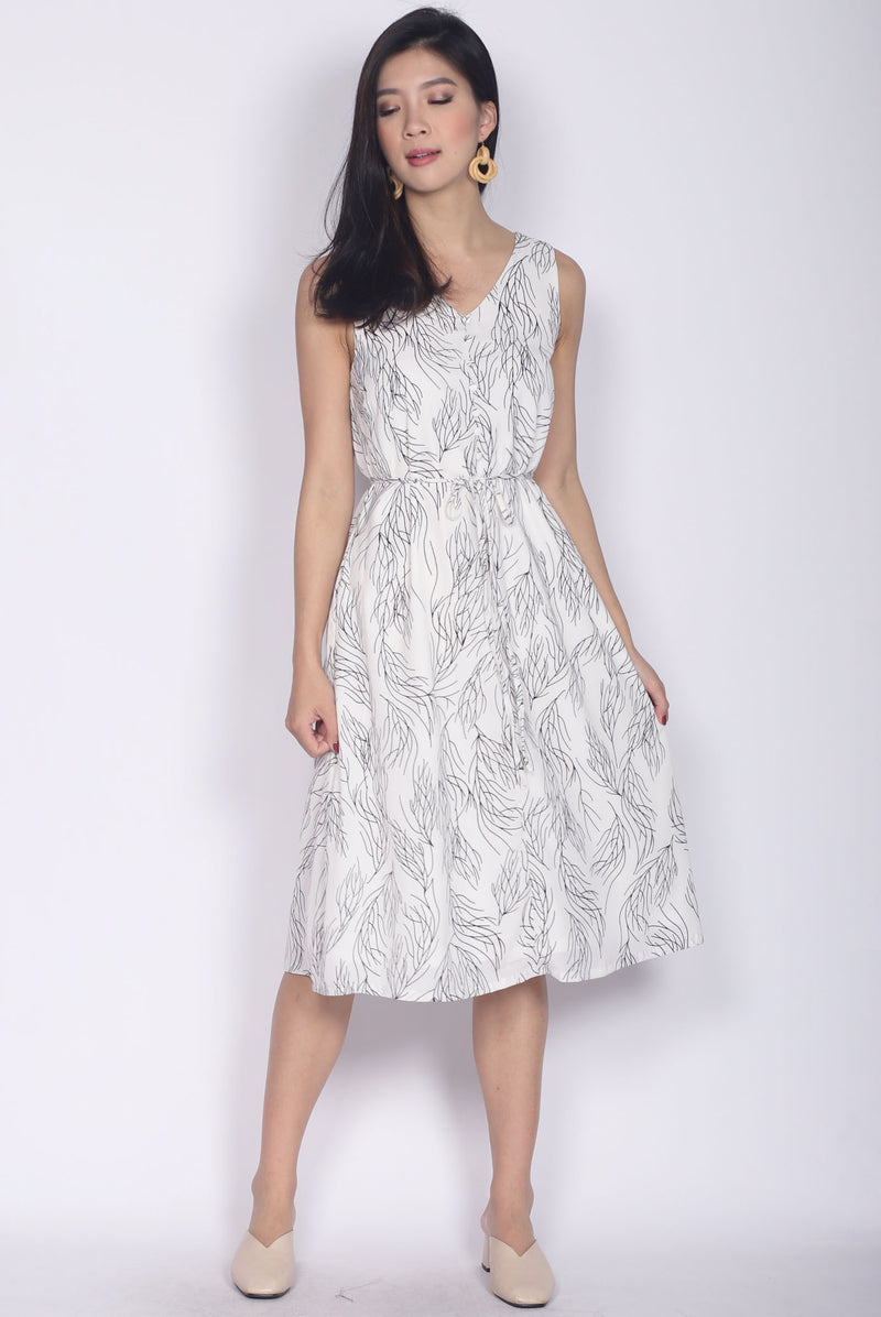 Adair Stem Buttons Dress In White