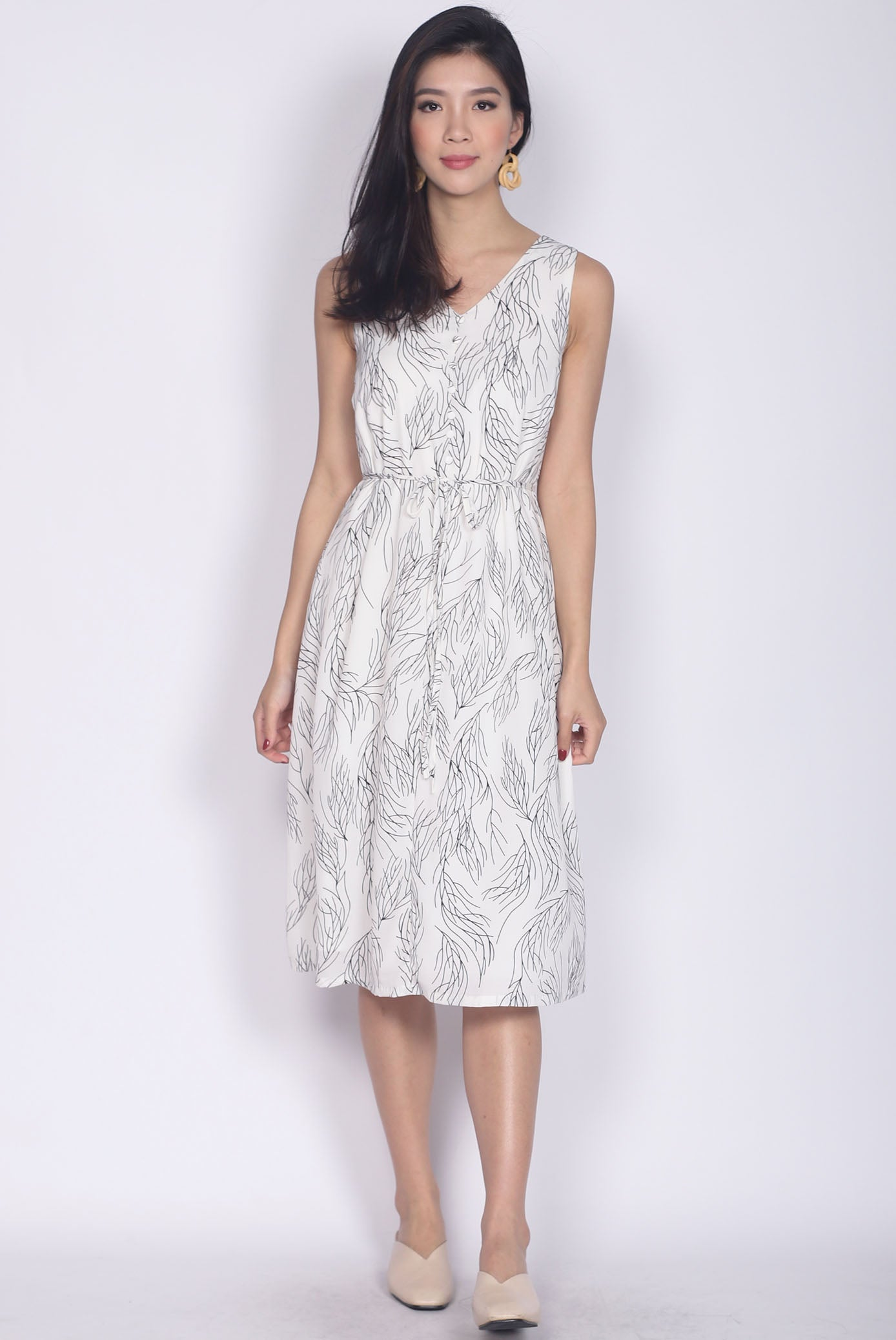 b3dc6791db9 Adair Stem Buttons Dress In White – The Design Closets