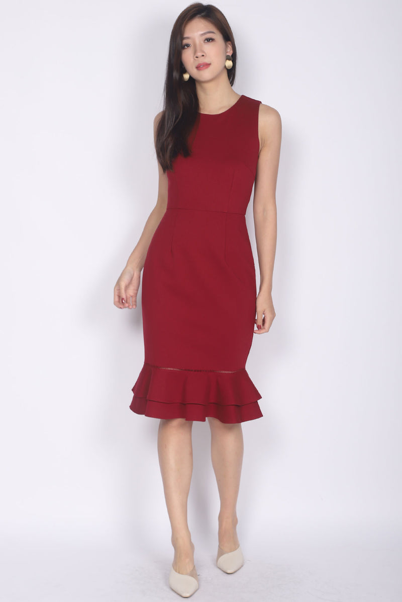 Aedith Tiered Hem Mermaid Dress In Wine Red