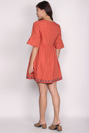 Alayna Embriodery Bell Sleeve Dress In Sunkiss Orange