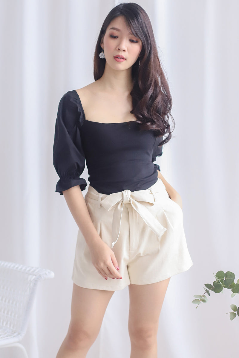 Ali Puffy Sleeve Top In Black