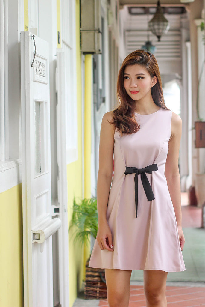 Amore Ribbon Front Dress In Pink