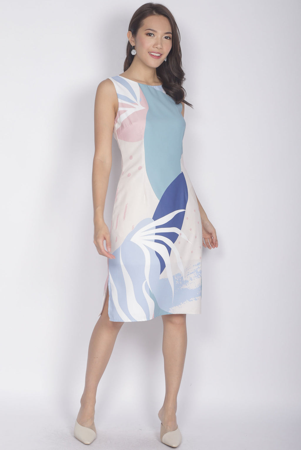 Ariel Abstract Dress In Cream Pink