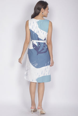 Ariel Abstract Dress In White Blue