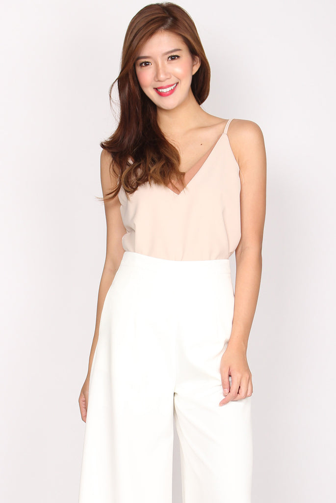 Arrow Down Cami Top In Nude