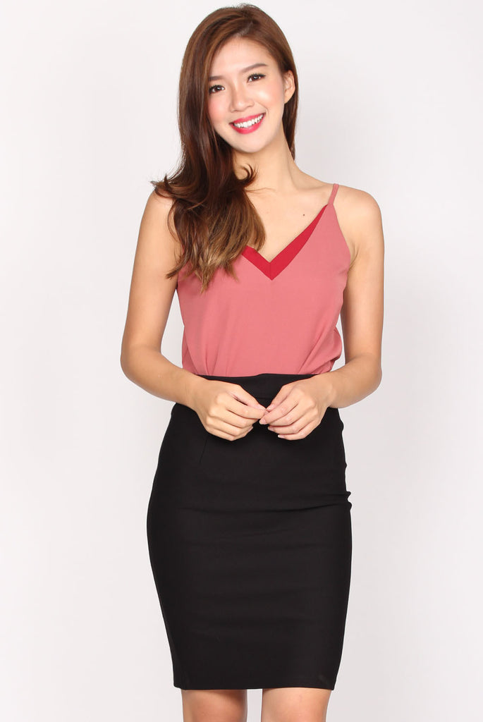 Arrow Down Cami Top In Strawberry