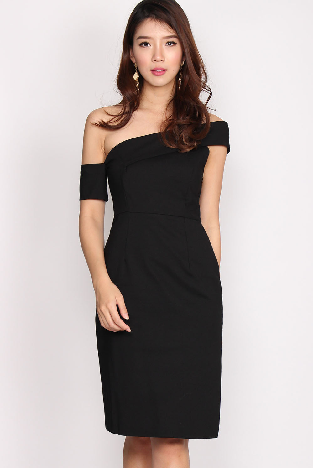 Aubree Drop Sleeve Slit Cut Dress In Black