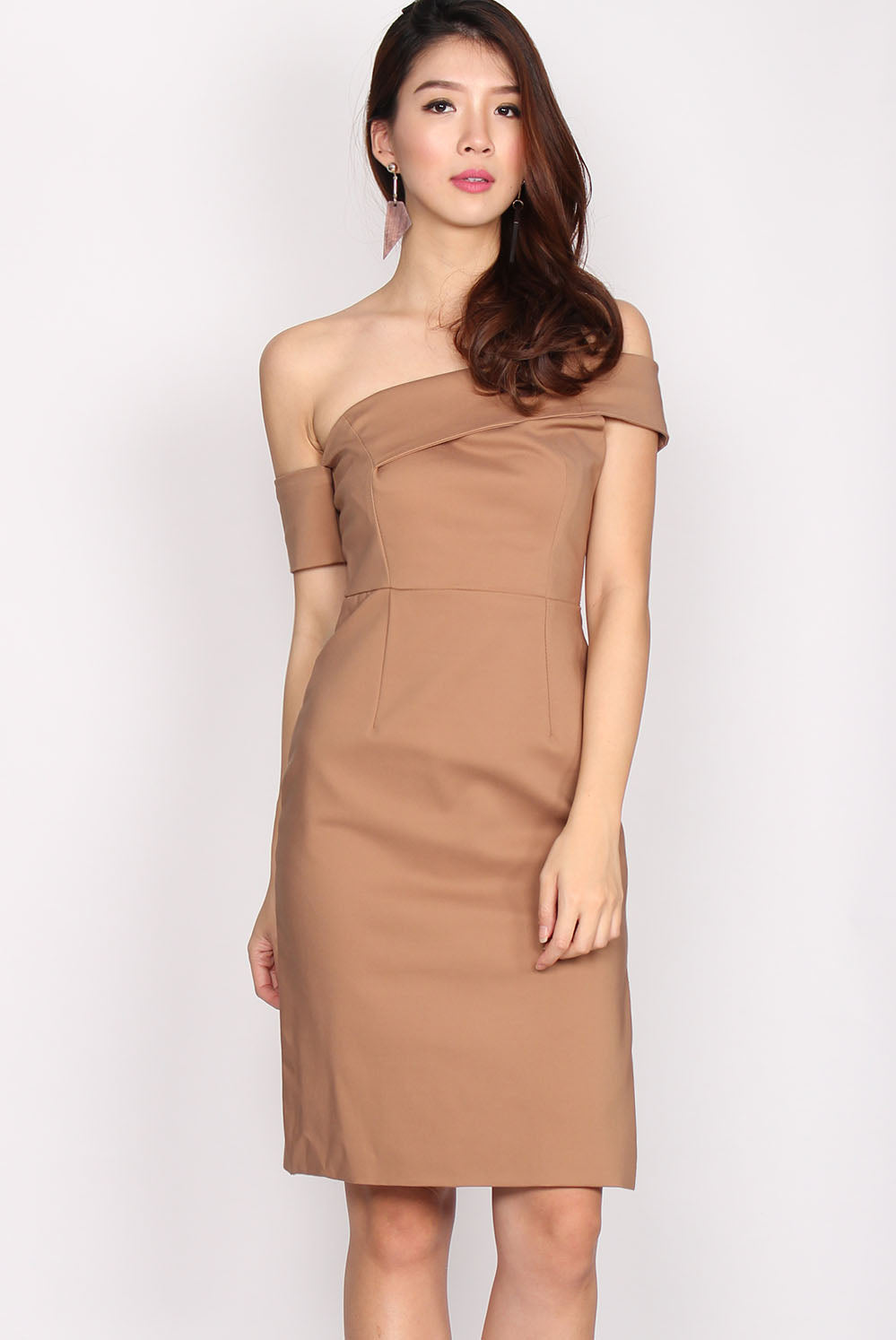 Aubree Drop Sleeve Slit Cut Dress In Camel