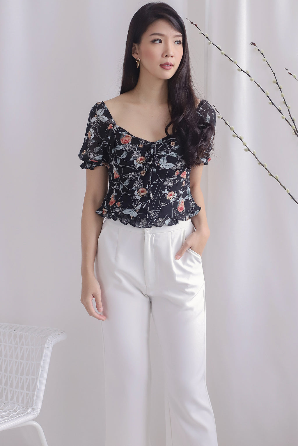 Avery Floral Ruched Puffy Sleeve Top In Black