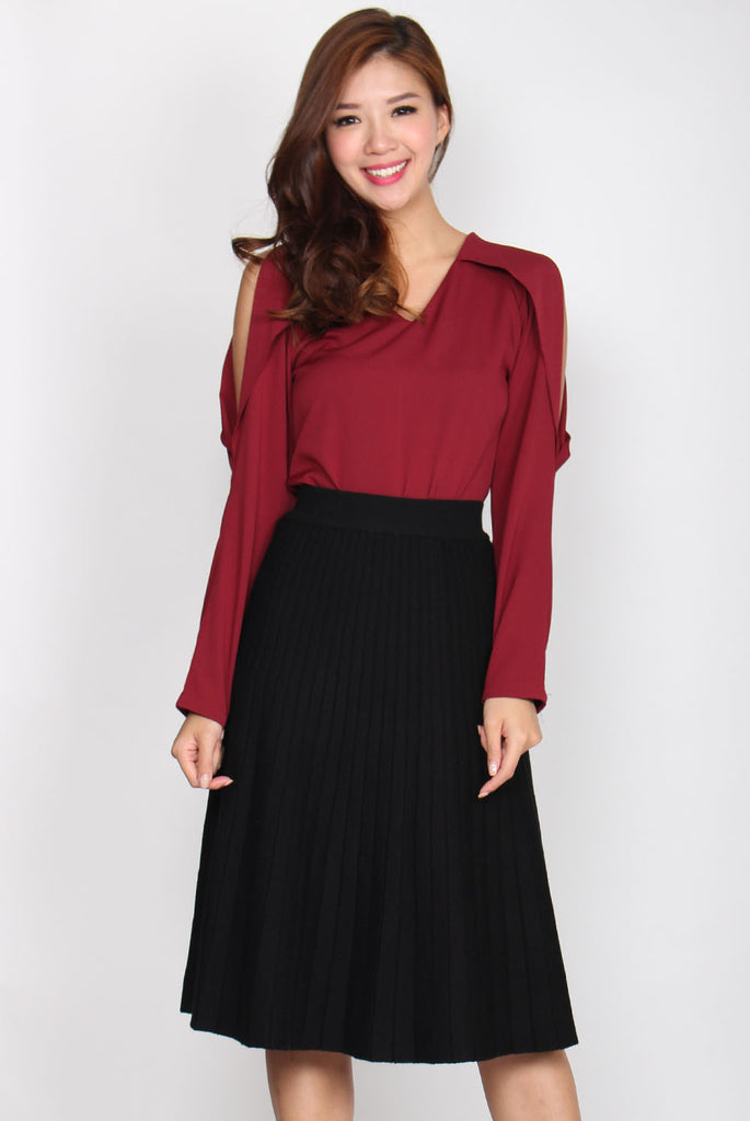 Avril Flutter Open Sleeve Top In Wine Red