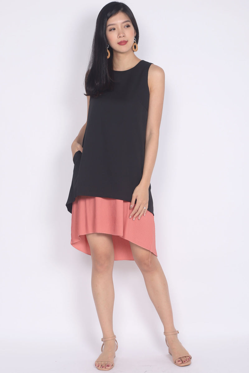 Aymeline Pleated Tiered Hem Dress In Black/Tea Rose