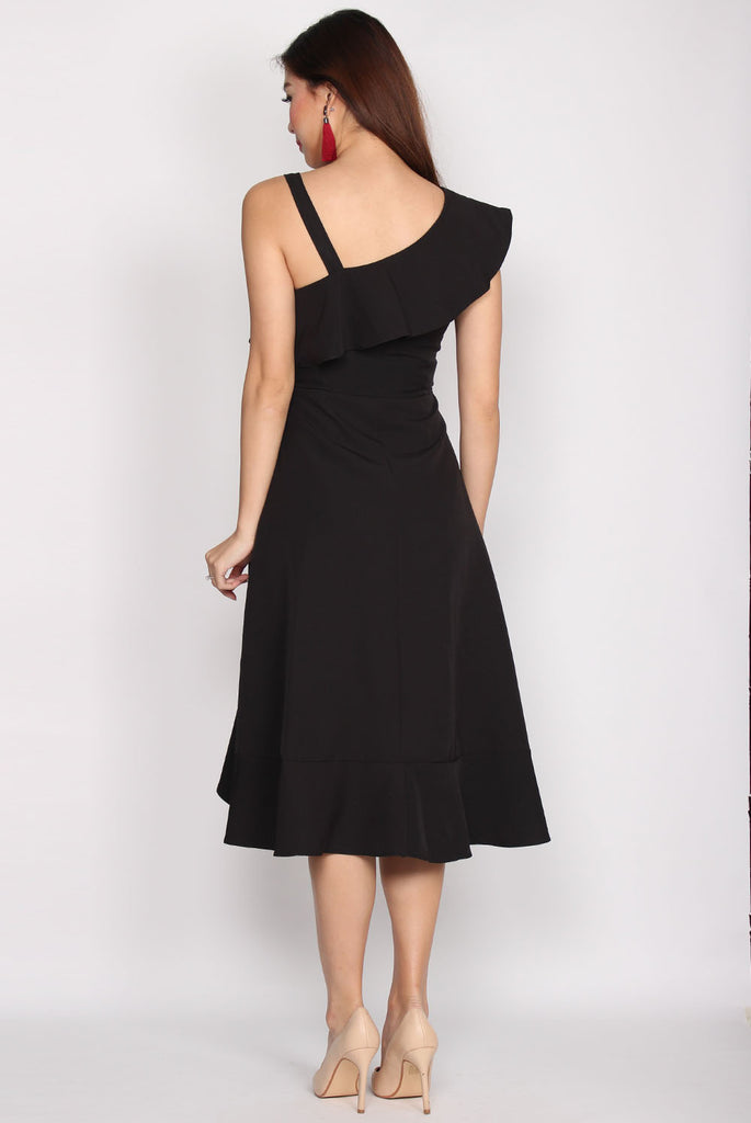Bartlett Wave Ruffles Dress In Black