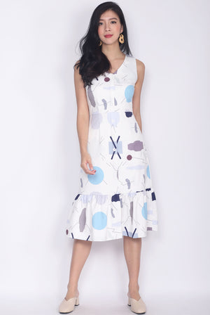 Baylor Abstract Buttons Down Drop Hem Dress In White