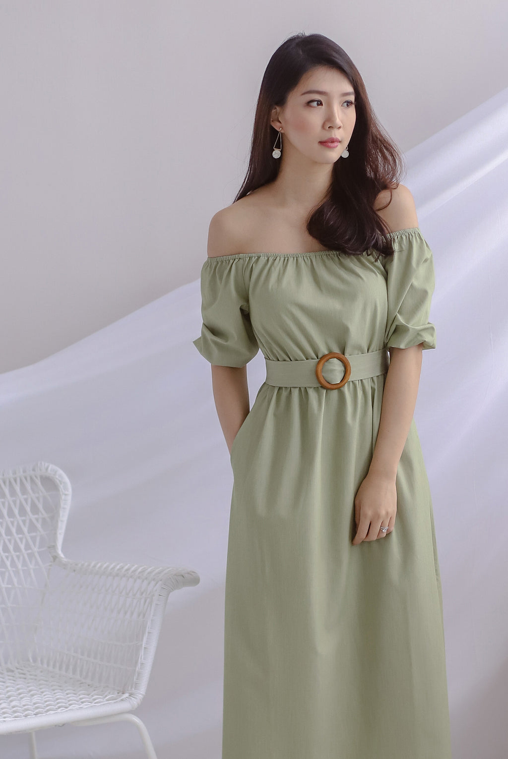 Belle Wooden Ring Off Shoulder Dress In Pistachio